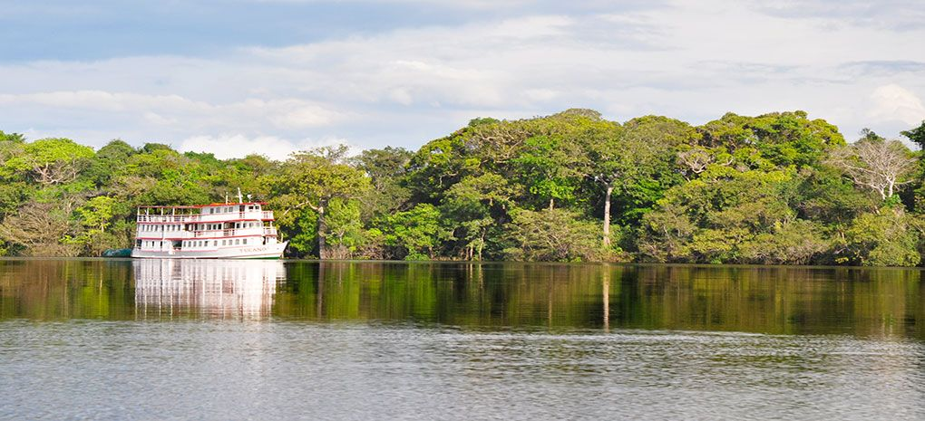 M/Y Tucano Cruising the Amazon River